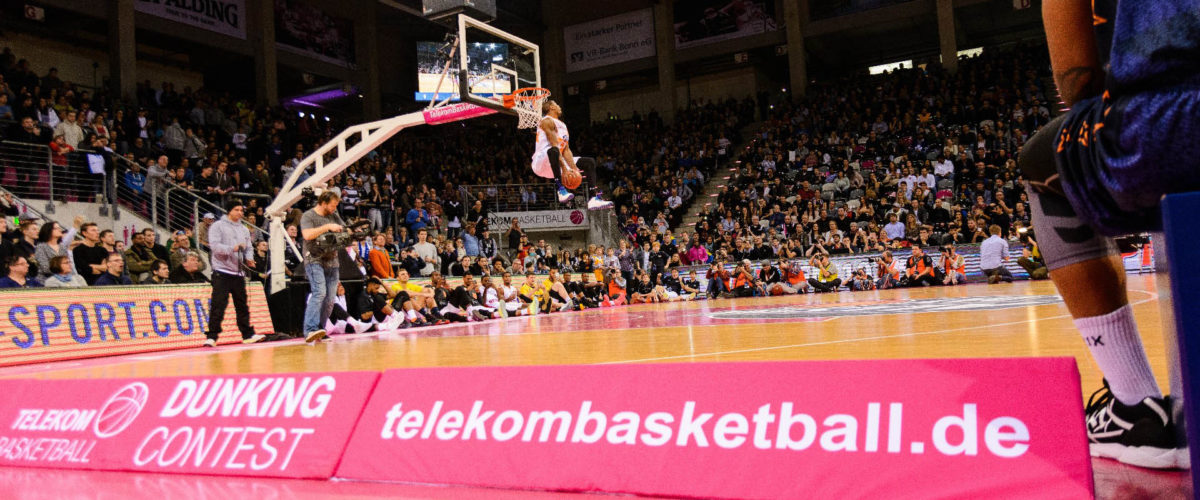Telekom Basketball Dunk